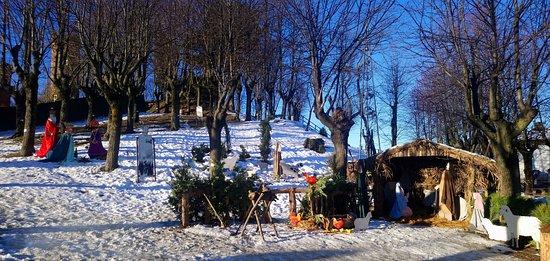 Castagnole Lanze, Włochy: Presepe del Parco con elementi a misura naturale.
