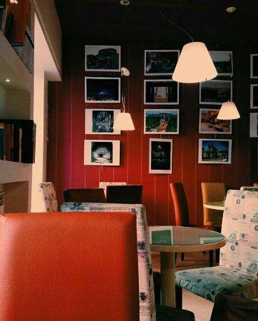 Bra, Italy: CAFFE CAVOUR