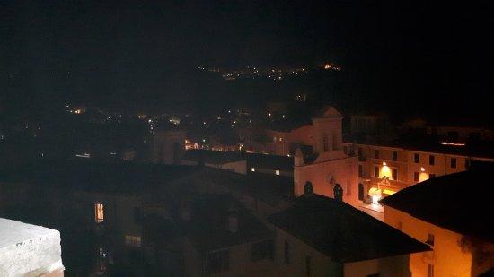 Arrone, Italia: vista incantevole di sera