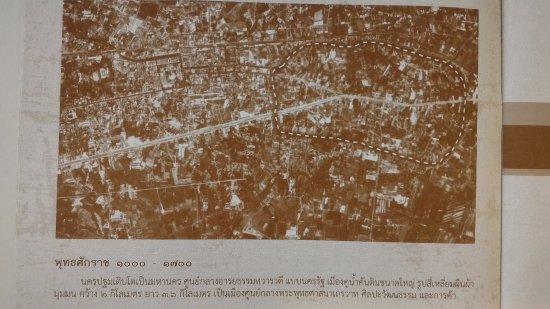 Nakhon Pathom, Thaïlande : The old city of Pra Phathom, about 2000 B,E