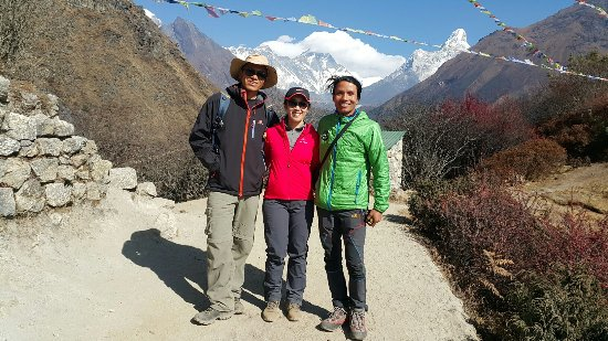 Friends Adventure Team: Namche Bazaar