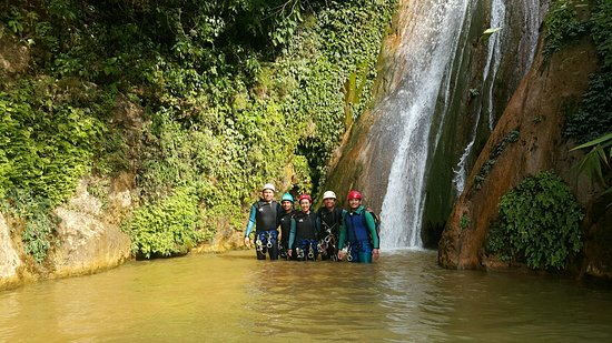 Friends Adventure Team: Canyoning at Suntalabari