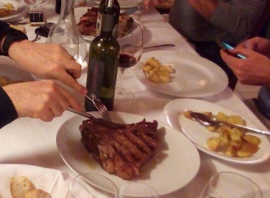Marradi, Italia: sua measta` la bistecca,,, una volta ogni tanto si puo` anche concedersela!!!