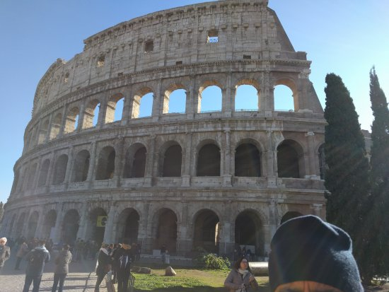 Jewish Roma Private Walking Tours : The coloseum