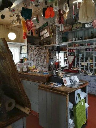 Senja, Noruega: Inside Gammelbutikken