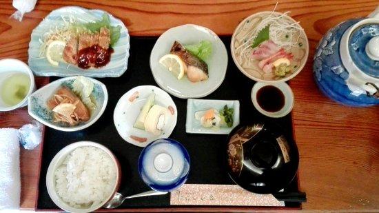 Fuchu, Japan: ランチ 刺身定食