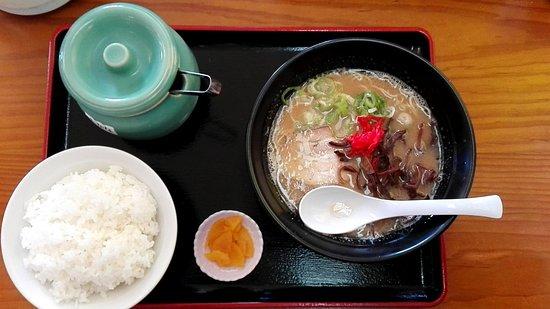 Fuchu, Japan: 豚骨ラーメン