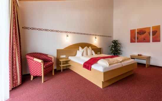 Ladis, Austria: Dachsuite Kaunergrat Schlafzimmer