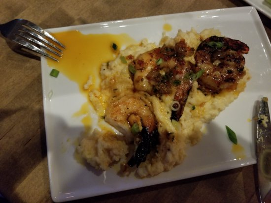 Bethel, CT: Shrimp & Grits - Crazy good!!