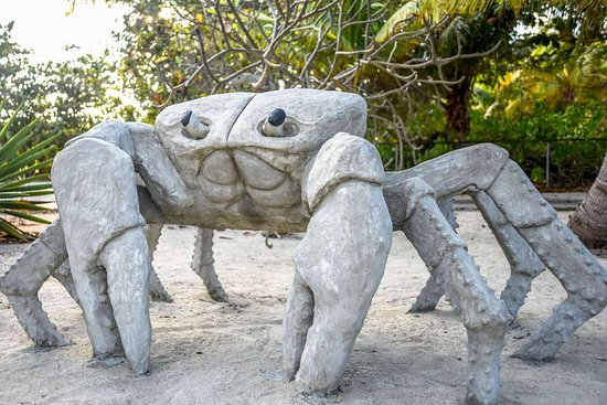 North Side, Grand Cayman: Concrete Land Crab a favorite in the Park.