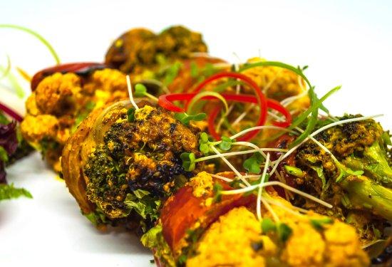 Newport Pagnell, UK: Tandoor grilled broccoli & cauliflower florets