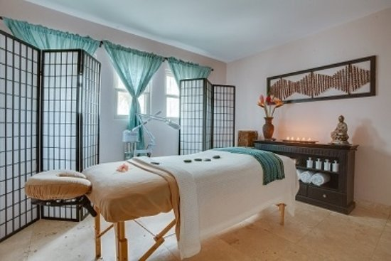 Serenity Spa & Wellness Center : Complete spa menu available