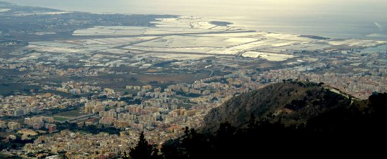 Riserva Naturale Saline Di Trapani E Paceco : Die Stadt Trapani und die Salinen