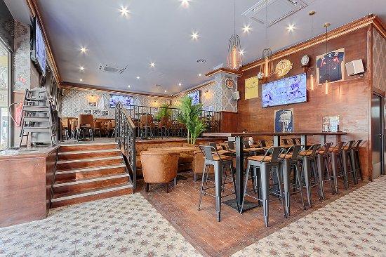 train pub rueil malmaison restaurant avis num ro de t l phone photos tripadvisor. Black Bedroom Furniture Sets. Home Design Ideas