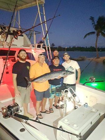 George Town, Grand Cayman: Christmas time fishing!