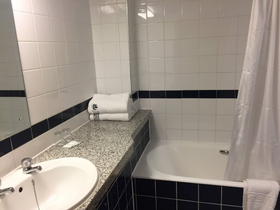 Bagno con vasca - Picture of Royal National Hotel, London - TripAdvisor