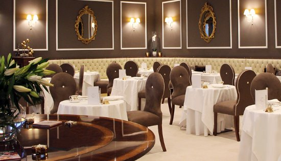 Mrs B's: Truly Decadent Dining Room