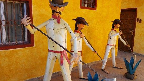 Los Algodones, Mexico: On Balcony!