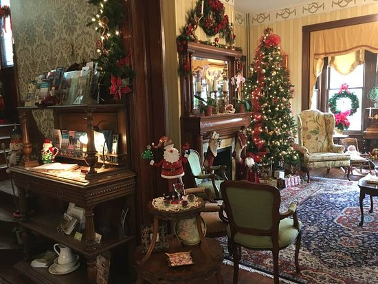Amelia Island Williams House: interior--downstairs
