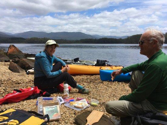 Dover, Australia: Enjoying a waterside lunch in Tasmania!
