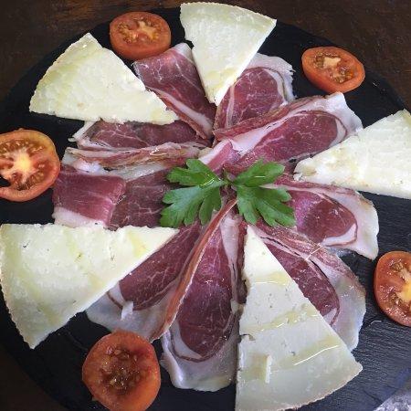 Montferrer, Hiszpania: Muy buena comida familiar!