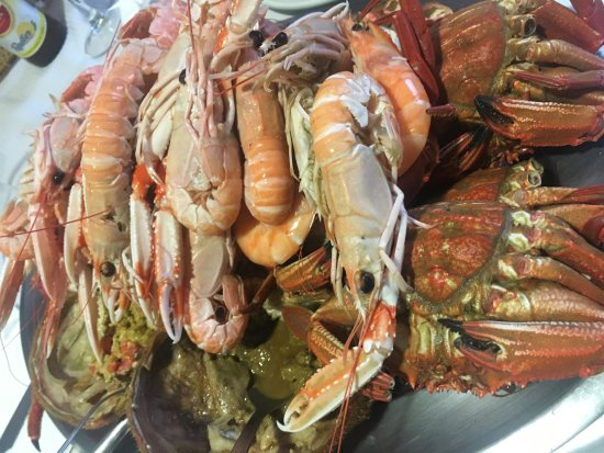 Poio, Ισπανία: bandeja de marisco para 4