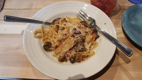 East Side Mario's: Linguine Chicken Tetrazzini