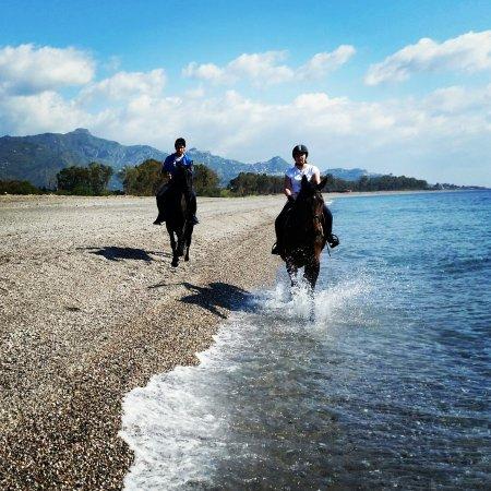 Zafferana Etnea, Italia: Passeggiata a mare. Beach ride!