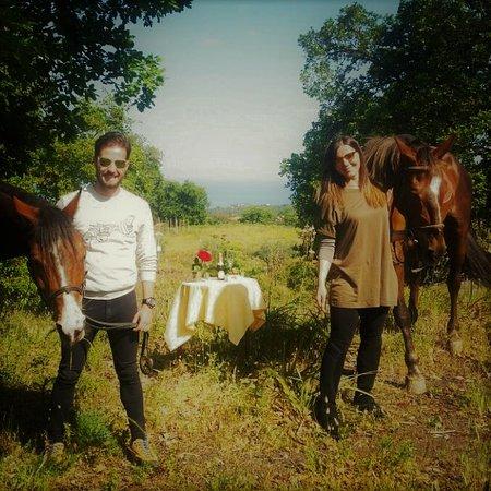 Zafferana Etnea, Italia: Aperitivo romantico nel bosco. Romantic tour .