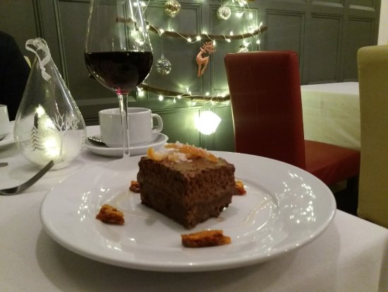 Clayton-le-Moors, UK: Chocolate torte dessert