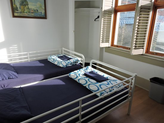 St Clair Hotel - Hostel: Private Twin Room
