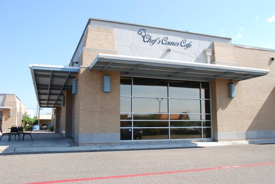 Weslaco, TX: Outside view of Chef's Corner Cafe