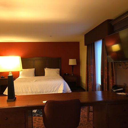 Hampton Inn & Suites Cincinnati/Uptown-University Area: photo1.jpg