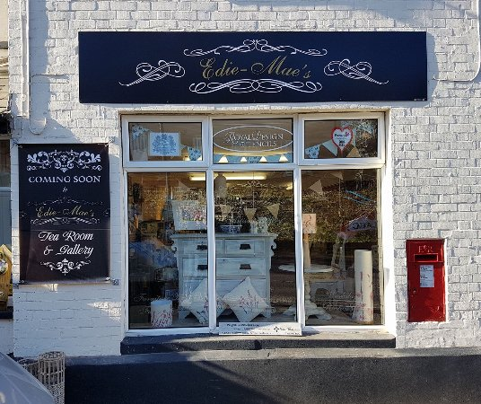 Blandford Forum, UK: Store front