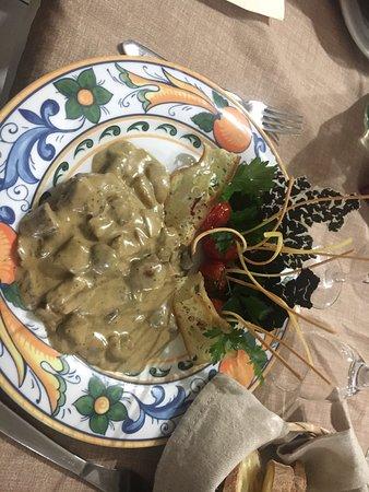 Giarre, Italia: Filetto ai funghi porcini