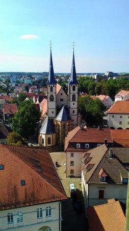 Blauer Turm: 塔の上から見えた、街中の教会