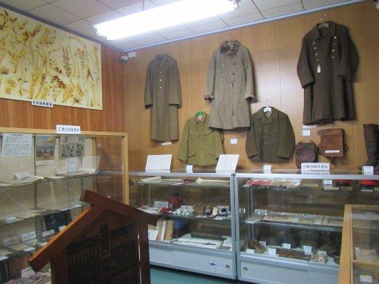 Samani Kyodokan: 館内の展示