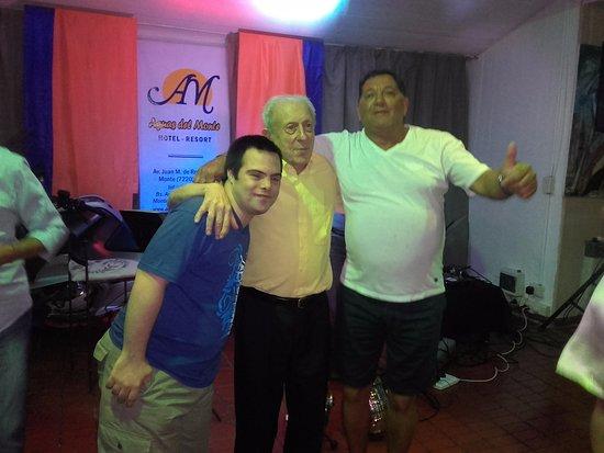 Hotel Aguas del Monte: esto lo mejor!! show con gente muy alegre y divertida...