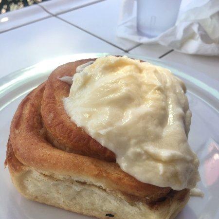 Kihei Caffe: Cinnamon bun