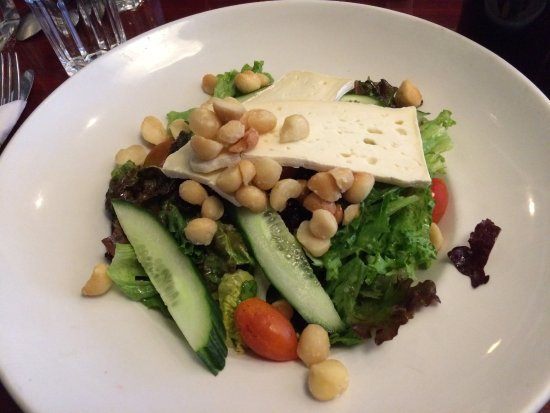 The Fernwood Inn: Excellent tasting Fernwood Salad
