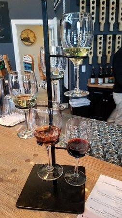 Dundee, NY: Wine tasting