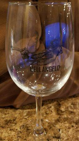 Dundee, NY: Wine tasting glass