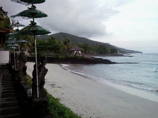 Anom Beach Inn Bungalows Picture