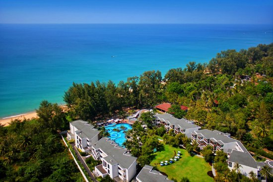 Holiday Inn Phuket Mai Khao Beach Resort: Beachfront over view. Exterior