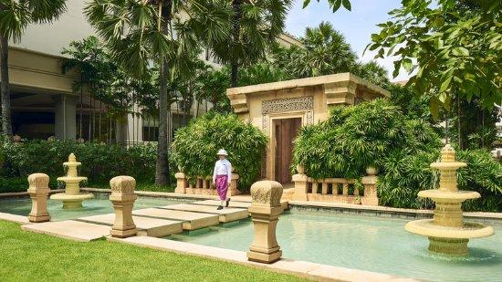 InterContinental Phnom Penh: Exterior