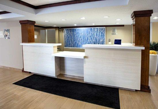Merrillville, IN: Lobby