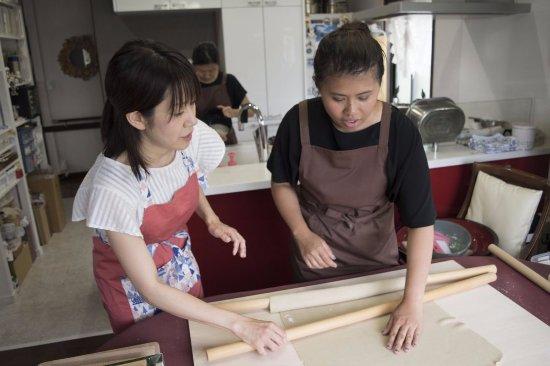 Сугинами, Япония: cooking handmade soba noodle