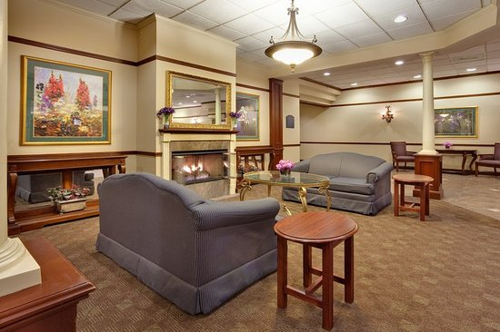 Holiday Inn Auburn - Finger Lakes Region: Lobby