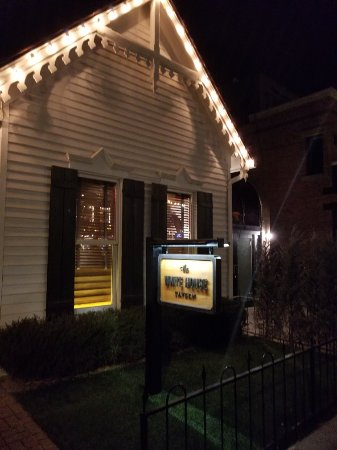 The White House Tavern: 20171211_195603_large.jpg