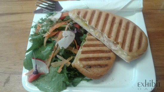 Gisborne, نيوزيلندا: Weekly Specials available: This special is the Smoked Chicken, Brie and Mango Salsa Panini